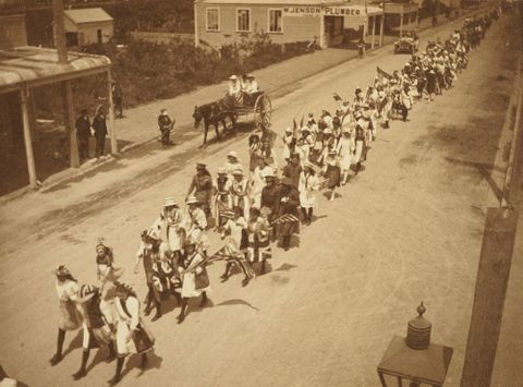 """The procession [2]"": 'Armistice Celebrations in Levin, Nov. 13. 1918'. From the album: Family photograph album; 1917 - 1920; Adkin, Leslie - Museum of New Zealand Te Papa Tongarewa"